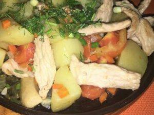 Жаркое на сковороде с картофелем и грибами